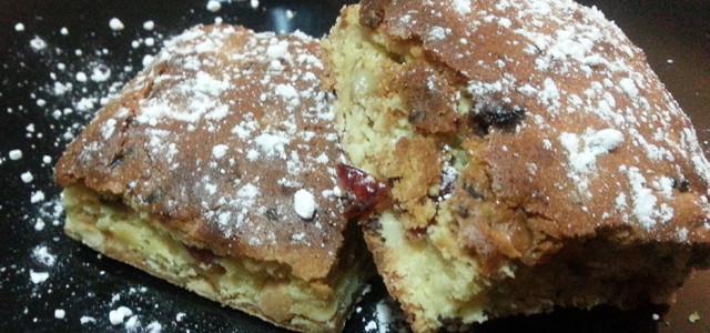 Biscotti rustici con cioccolato bianco e bacche di goji