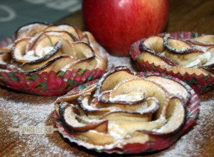 SerenaCucina - Rose di sfoglia con mela e cannella